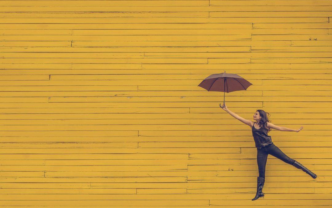 Por qué hacer paraguas personalizados para tu empresa